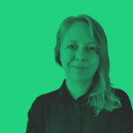 Katarzyna Walczak - zdjęcie portretowe. Na zdjęciu nałożony jest zielony filtr.
