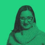 Agnieszka Koszowska - zdjęcie portretowe. Na zdjęciu nałożony jest zielony filtr.
